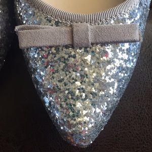 unisa Shoes - NEW Glittery flats!